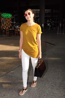Gauahar Khan at the Airport