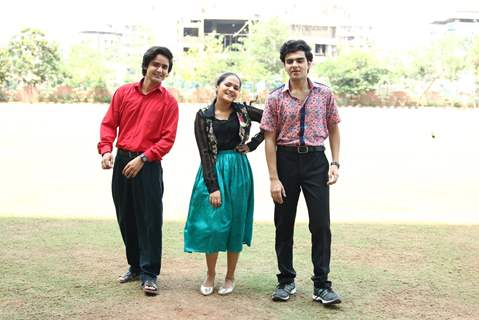 Munna, Pandit and Preeti in college of Yeh Un Dinon Ki Baat Hai