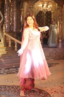 Sonarika Bhadoria as Anarkali at the launch of COLORS' Dastaan-E-Mohobbat Salim Anarkali.