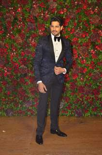 Sidharth Malhotra at Ranveer Deepika Wedding Reception Mumbai