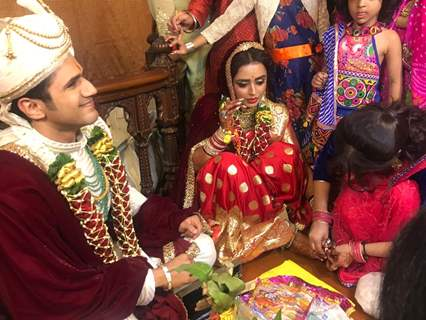 Parul Chauhan and Chirag wedding rasam at ISKCON temple