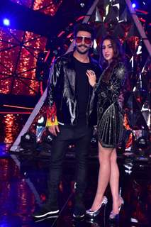Ranveer Singh and Sara Ali Khan at the sets of Indian Idol