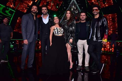 'Simmba' cast with Indian Idol judges