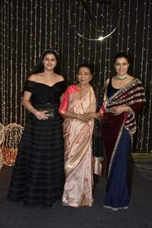 Kajol with Asha Bhosle at Priyanka Chopra and Nick Jonas Wedding Reception, Mumbai