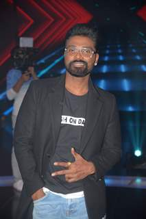 Maduri Dixit on Dance Plus 4 Sets