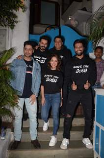 Aditya Dhar, Ronnie Screwvala, Mohit Raina, Yami Gautam and Vicky Kaushal celebrate URI's success