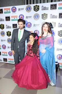 Mohit Malik with wife Aditi Shirwaikar and Aakriti Sharma at Lions Gold Awards