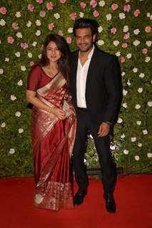 Sharad Kelkar and wife at Amit Thackeray's reception