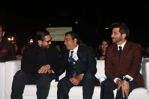 Aamir Khan, Dharmendra and Anil Kapoor at Umang Event