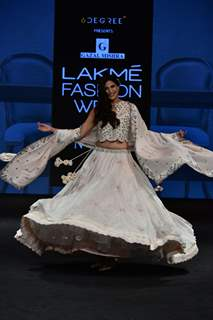 Aahana Kumra walks the ramp for fashion designers at 'Lakme Fashion Week'