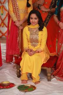 Ashi Singh aka Naina Still from Haldi Ceremony from Yeh Un Dinon Ki Baat Hai
