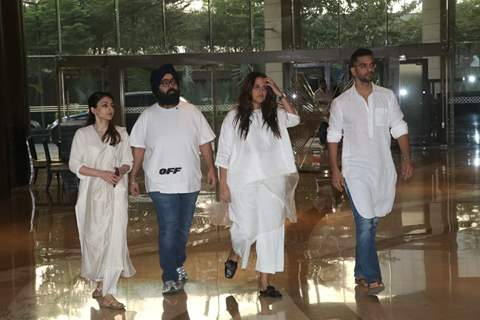Bollywood celebrities at Vikram Phadnis mother's prayer meet