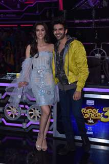 Kriti Sanon and Kartik Aaryan visit the sets of Super Dancer 3!