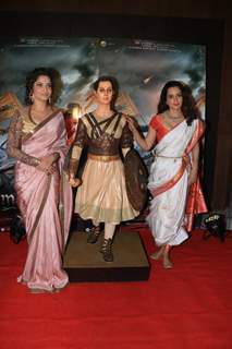 Kangana and Ankita papped Manikarnika Success bash!