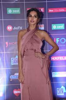 Shibani Dandekar poses for a picture at the REEL Awards!