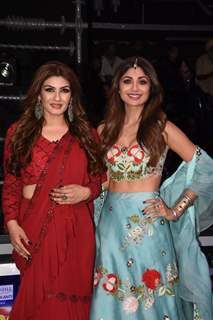 Raveena Tandon and Shilpa Shetty on the sets of Super Dancer 3!