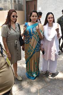 Hema Malini with daughters Esha and Ahana cast their vote!
