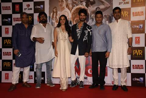 Shahid Kapoor and Kiara Advani with team, snapped at the promotions of Kabir Singh