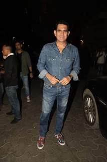 Omung Kumar spotted at special screening of 'De De Pyar De'