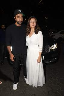 Ranbir kapoor with Alia Bhatt spotted at special screening of 'De De Pyar De'