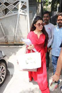 Jacqueline Fernandez snapped around the town!