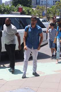 Hrithik Roshan spends time with family
