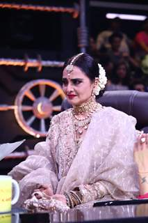 The queen of Bollywood, Rekha at the sets of Super Dancer 3