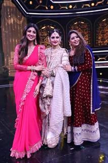 Shilpa Shetty, Rekha and Geeta Kapoor snapped at the sets of Super Dancer 3!