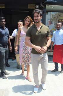 Tiger Shroff and Disha Patani snapped around the town!