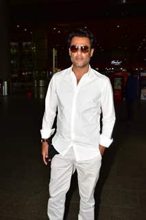Abhishek Kapoor snapped at the Airport
