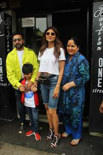 Shilpa Shetty spotted along with family outside Bastian!