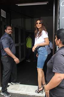 Shilpa Shetty spotted outside Bastian!