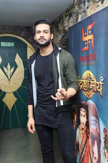 Vishal Aditya Singh at Chandragupt Maurya Farewell party
