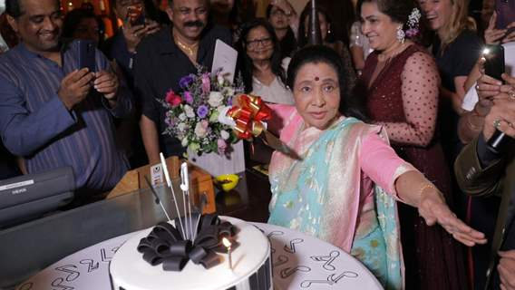 Asha Bhosle at her 86th birthday celebrations