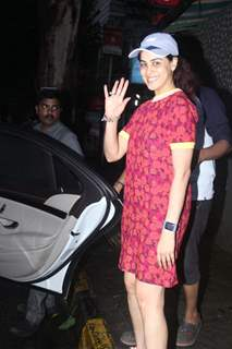 Genelia Deshmukh snapped around the town!