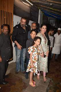 Sanjay Dutt snapped with family!