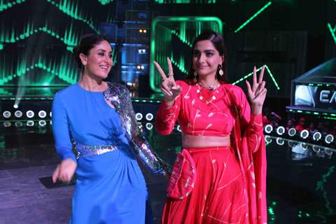 Kareena Kapoor Khan and Sonam Kapoor on DID