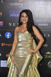 Bollywood celebrities walk the Green Carpet at IIFA awards 2019!