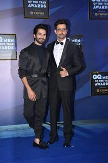 Shahid Kapoor and Hrithik Roshan at GQ Men of the Year Awards!