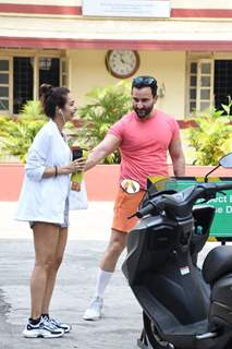 Malaika Arora and Saif Ali Khan share a laugh after gym!
