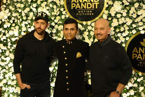 Hrithik, Anand Pandit and Rakesh Roshan