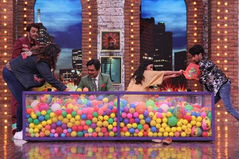 Nawazuddin Siddiqui and Athiya Shetty on the sets of Movie Masti with Maniesh Paul