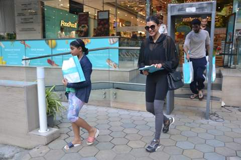 Sushmita Sen papped with her daughter Alisah and boyfriend Rohman Shawl around the town