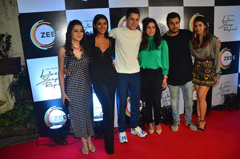 Priyal Gor, Teena Singh, Anshuman Malhotra, Raima Sen and Harshadaa Vijay