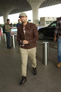 Sonu Nigam papped at the airport