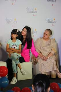 Aishwarya Rai Bachchan snapped at Srcc Hospital with mother and daughter Aaradhya Bachchan for an event!