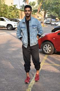 Angad Bedi at the promotions of Inside Edge 2