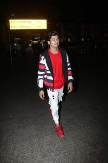 Siddharth Nigam papped at the airport