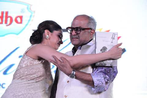 Deepika Padukone consoles Boney Kapoor at Sridevi's book launch