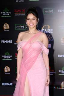 Ankita Lokhande papped at the Red Carpet of Filmfare Glamour and Style Awards 2019